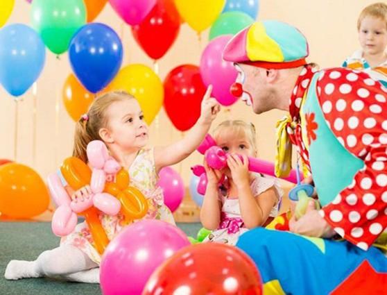 В цирк с мамой и папой. Спортивный досуг