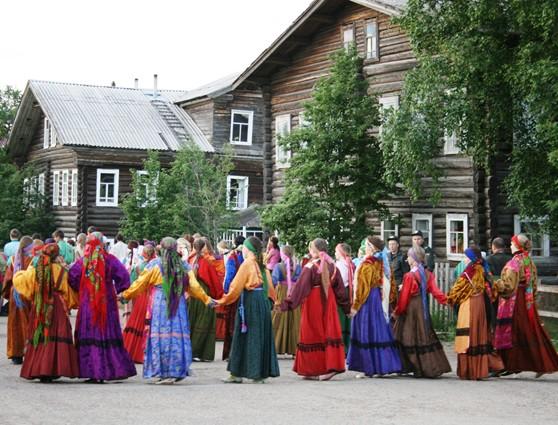 Традиционная одежда коми-ижемцев: платок как элемент костюма. НОД в подготовительной к школе группе